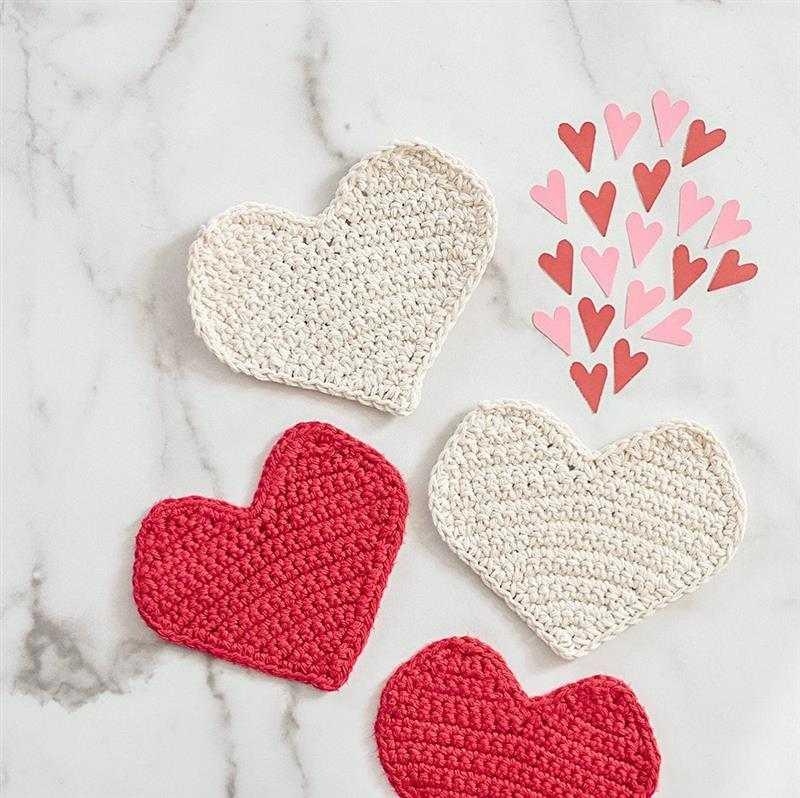 Coração de crochê para aplicação