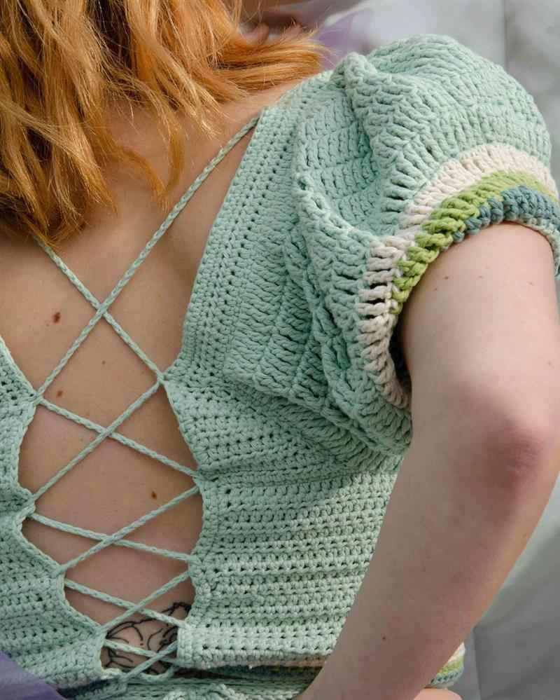 blusa aberta nas costas