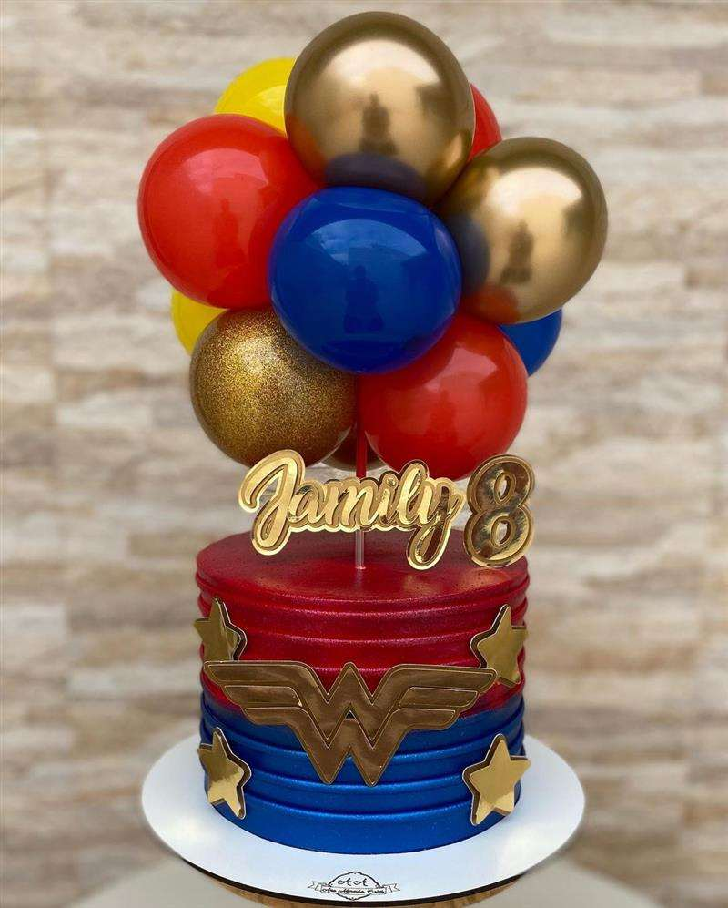 Ballon Cake Mulher Maravilha