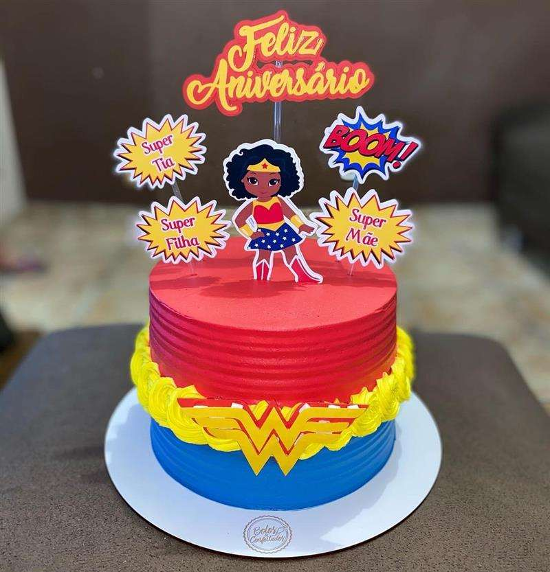 bolo mulher maravilha negra