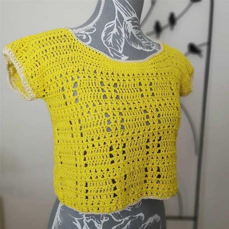 Blusa de crochê amarela