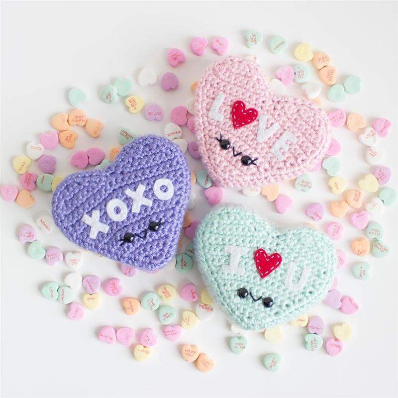 Coração de crochê com enchimento