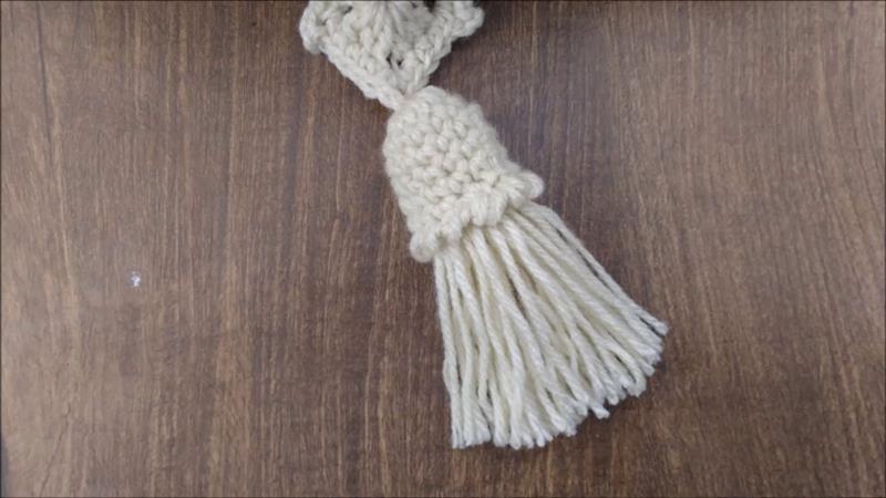 Tassel com acabamento em crochê
