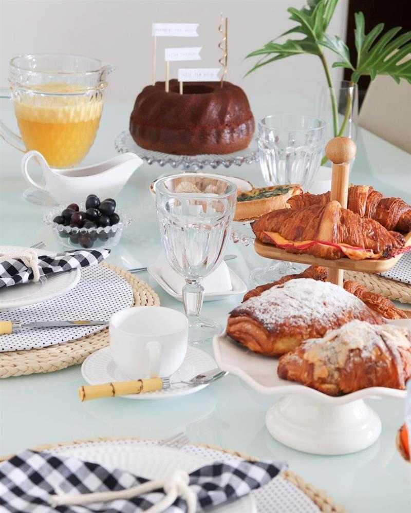 o que fazer para um café da manhã de aniversário