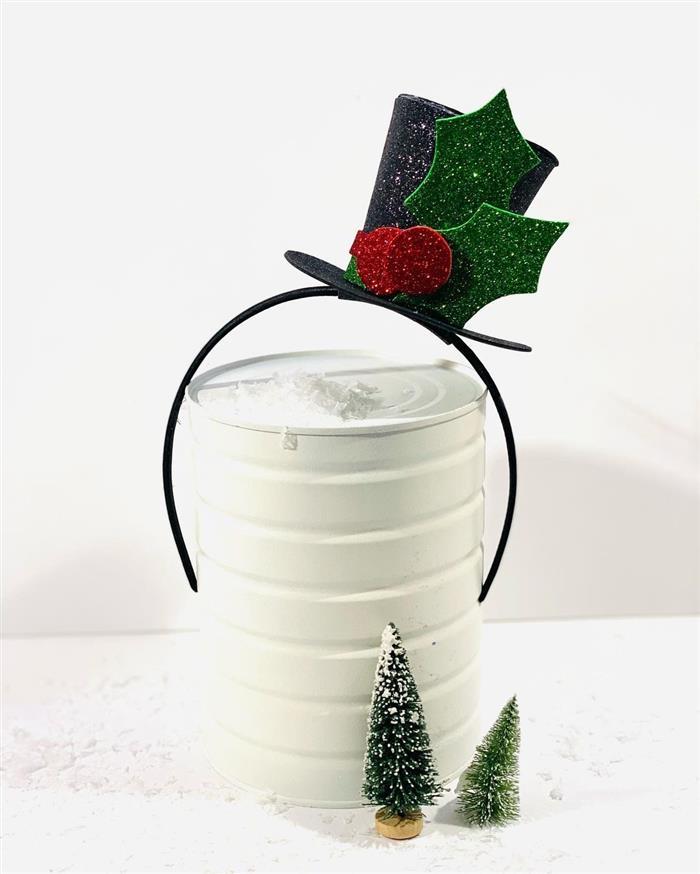 Enfeite com lata reciclada e EVA