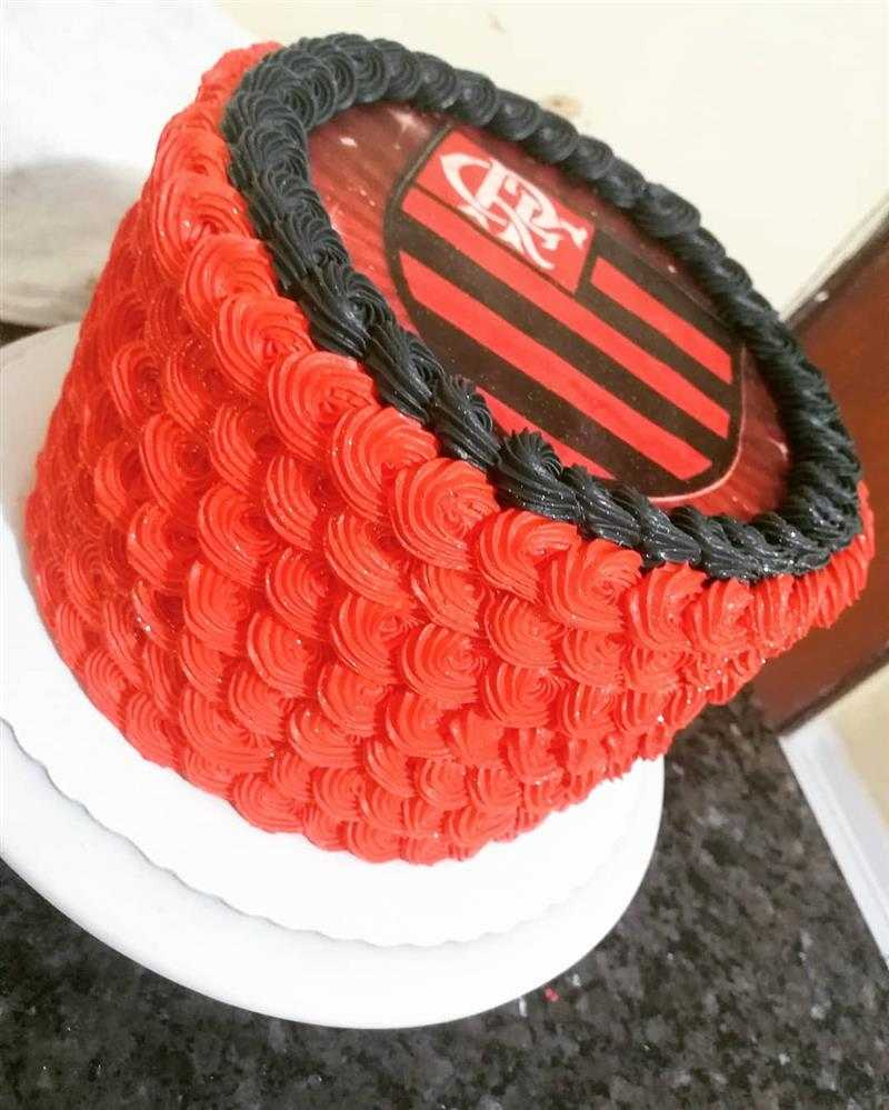 bolo do flamengo com papel de arroz
