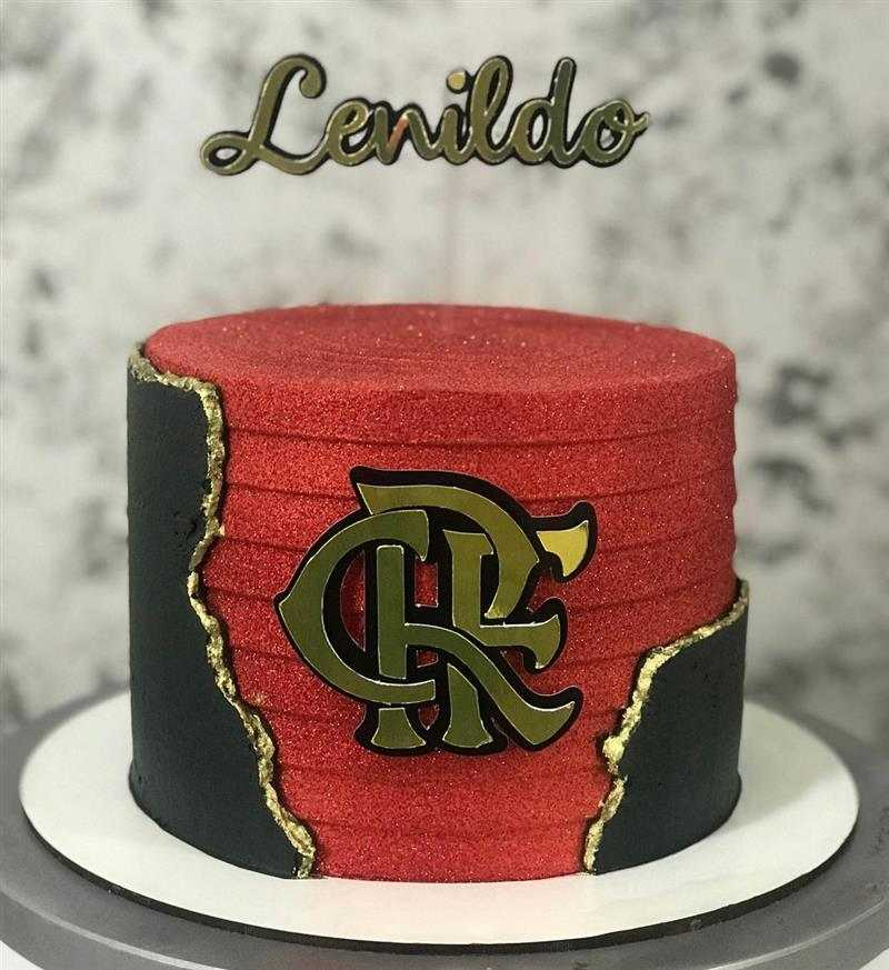 bolo do flamengo preto e vermelho