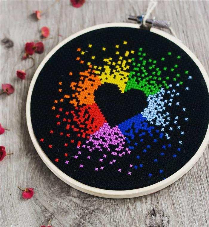 imagens de coração em ponto cruz neon