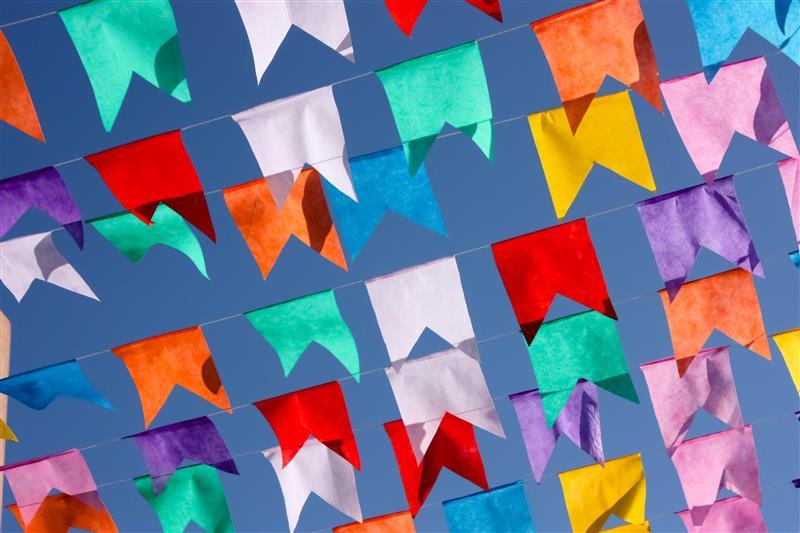 bandeirinhas de festa junina de papel de seda
