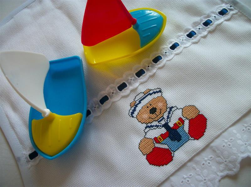 ursinho em ponto cruz para toalhinha de bebê