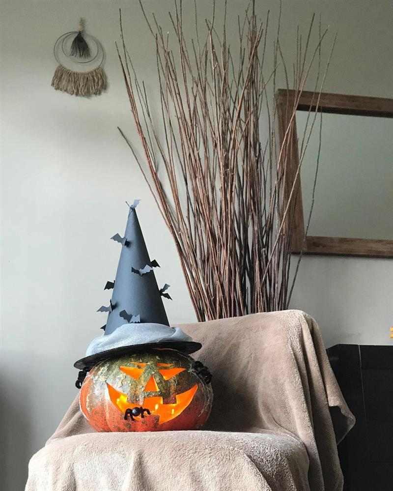chapéu de bruxa de papel