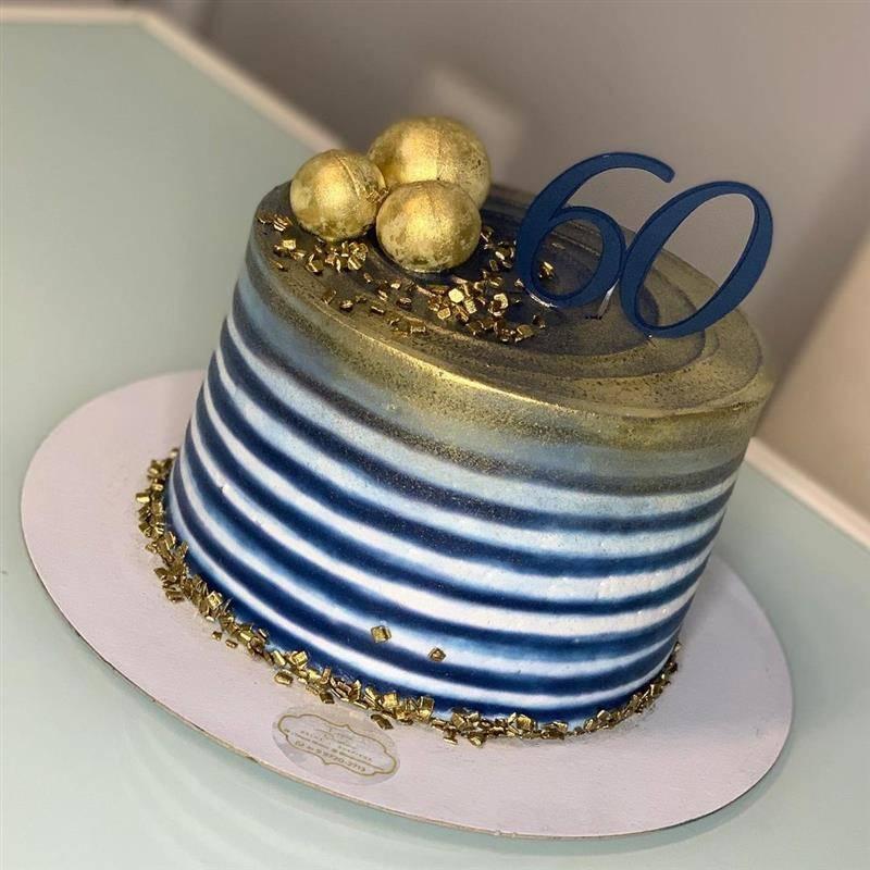 bolo de aniversario para homem listrado 60 anos