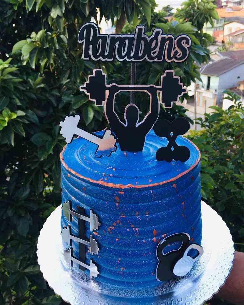 bolo de aniversario para homem fitness