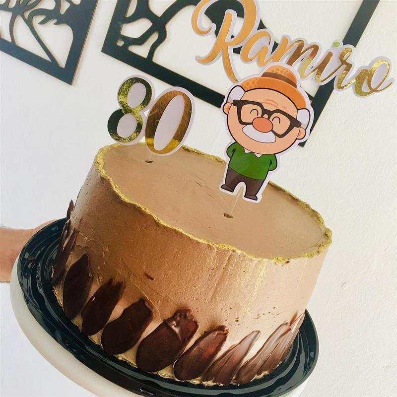 Bolo de aniversário para homem chocolate