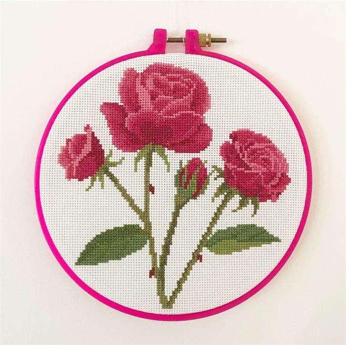 ideias de rosas em ponto cruz