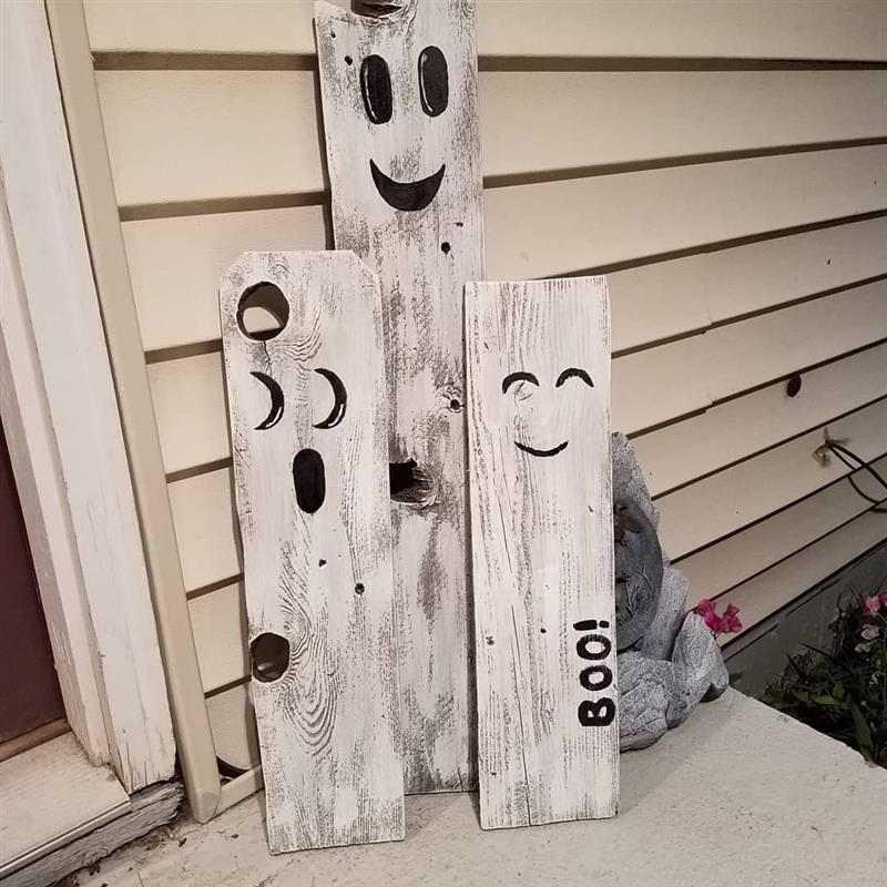 Fantasminhas na madeira