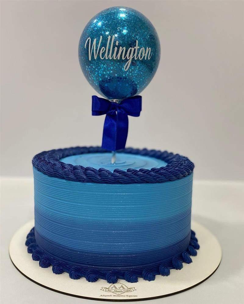 balloon cake degradê azul riscado