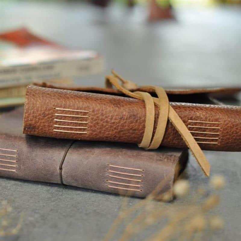 caderno artesanal de couro