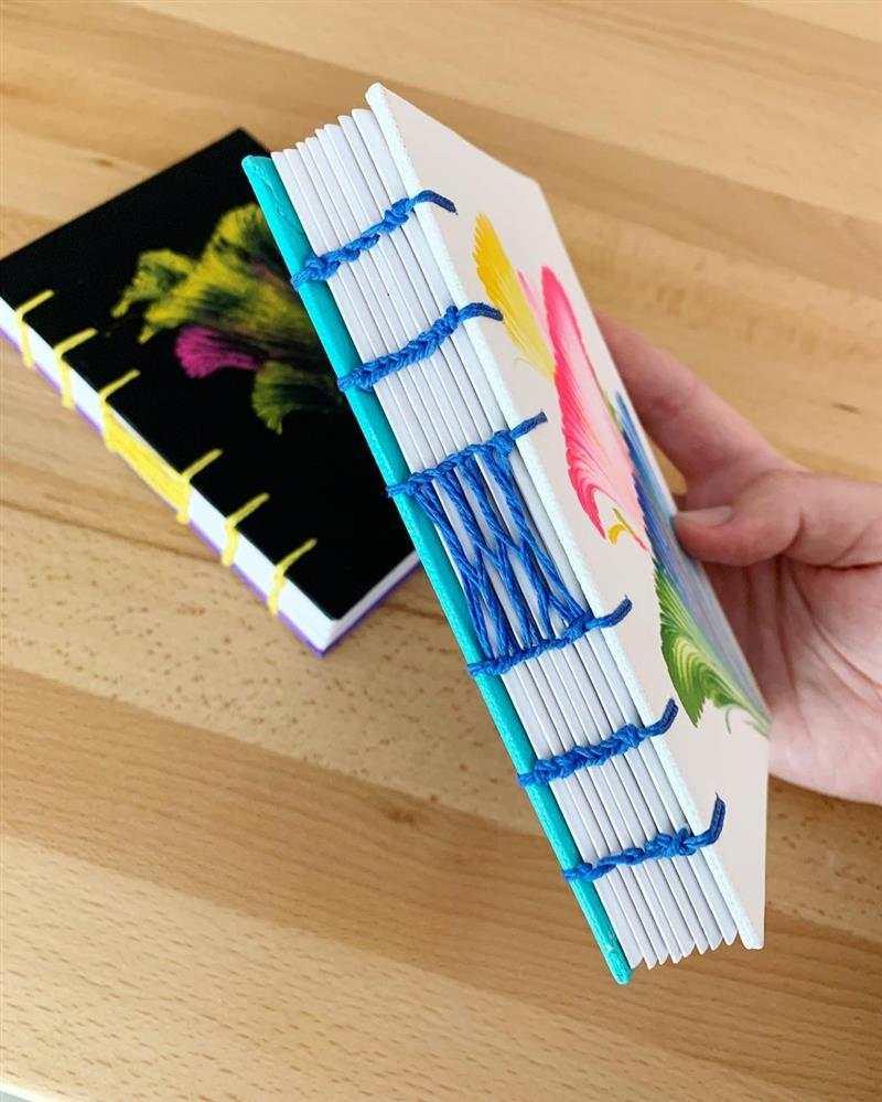 caderno artesanal costurado