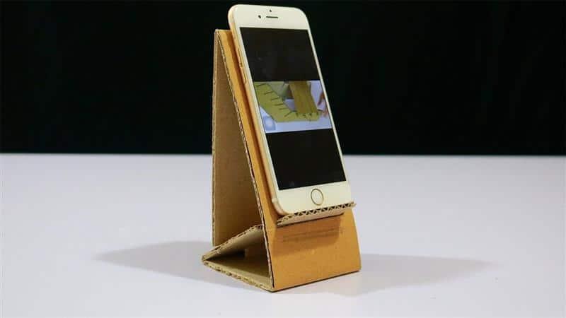 como fazer suporte para celular de papelão