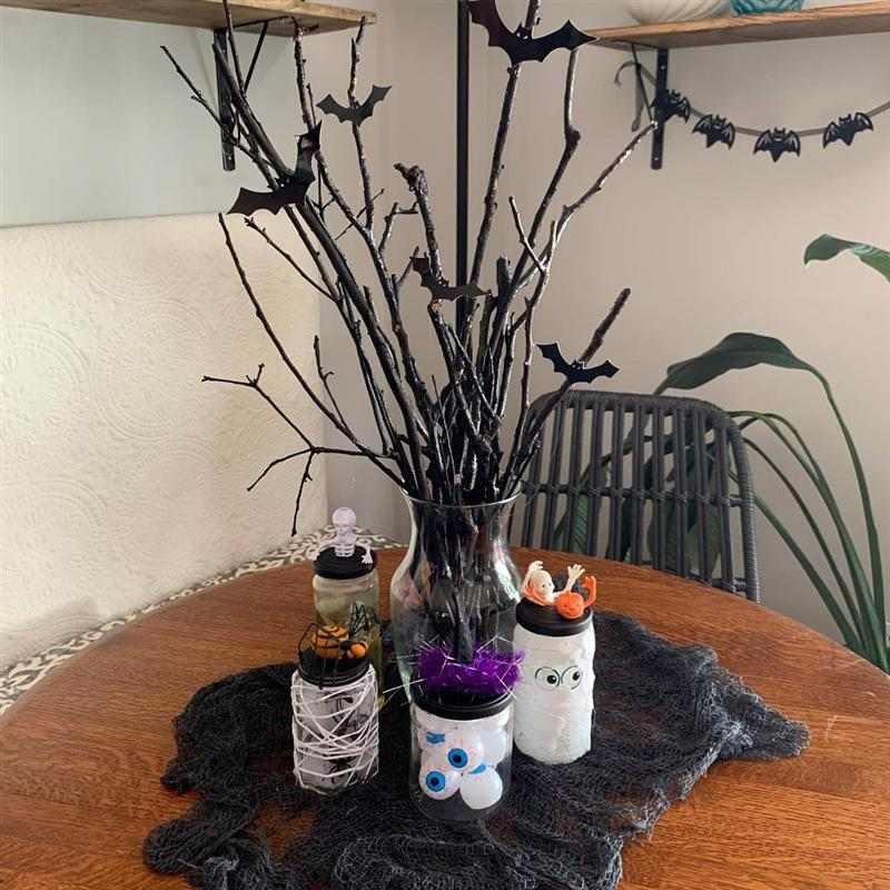 Halloween com material reciclado