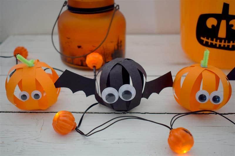 Decoração de Halloween com papel