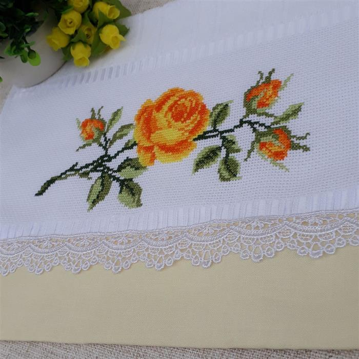 rosas em ponto cruz para toalhas de banho