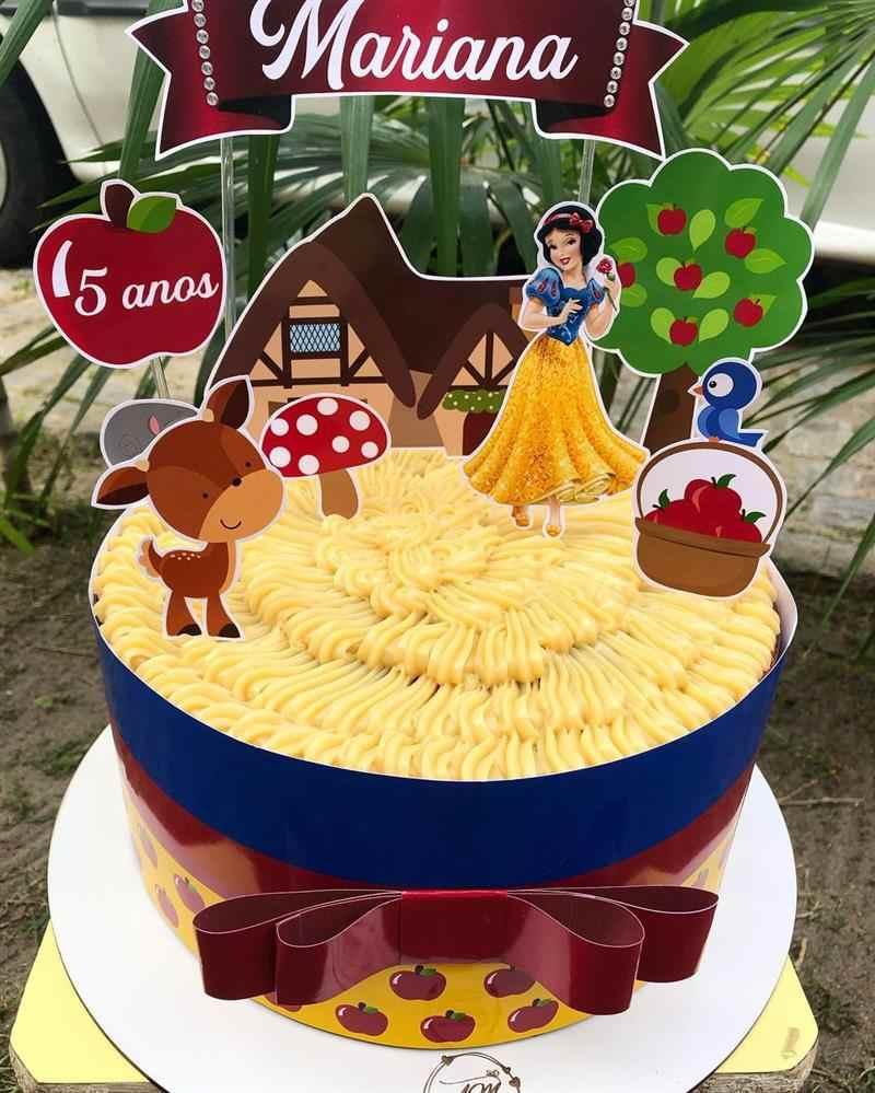 decoração de bolo da Branca de Neve