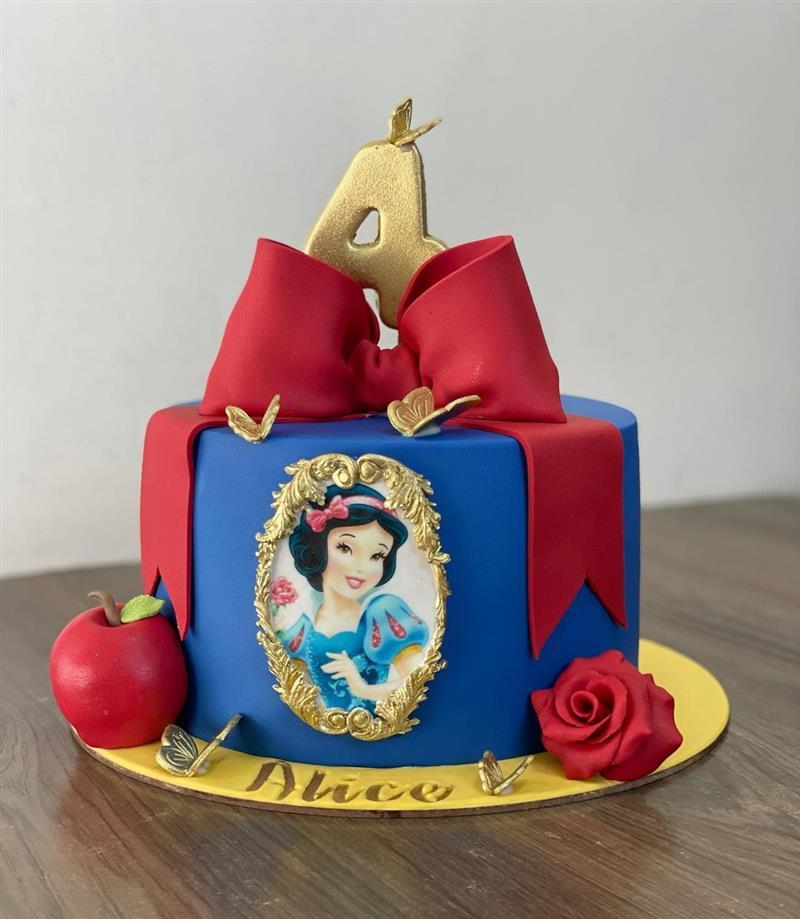 bolo Branca de Neve azul