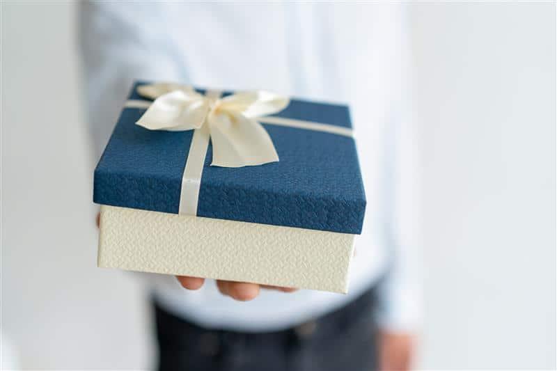 o que dar de presente para namorado no dia dos namorados