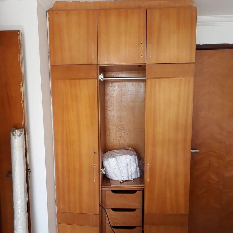 guarda roupa antigo