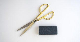 como amolar tesoura de cortar cabelo