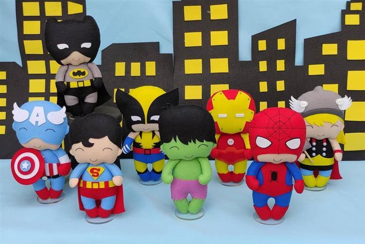 como fazer bonecos de feltro super heróis