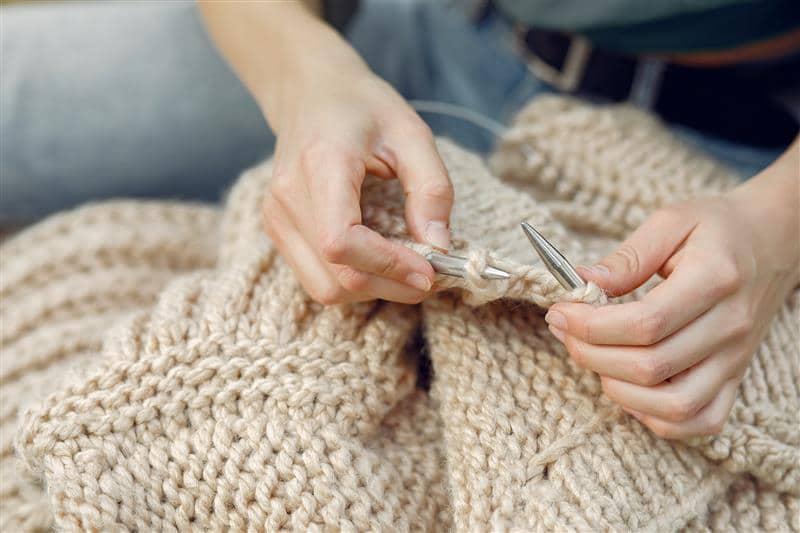 blusa de tricô feminina feita a mão passo a passo